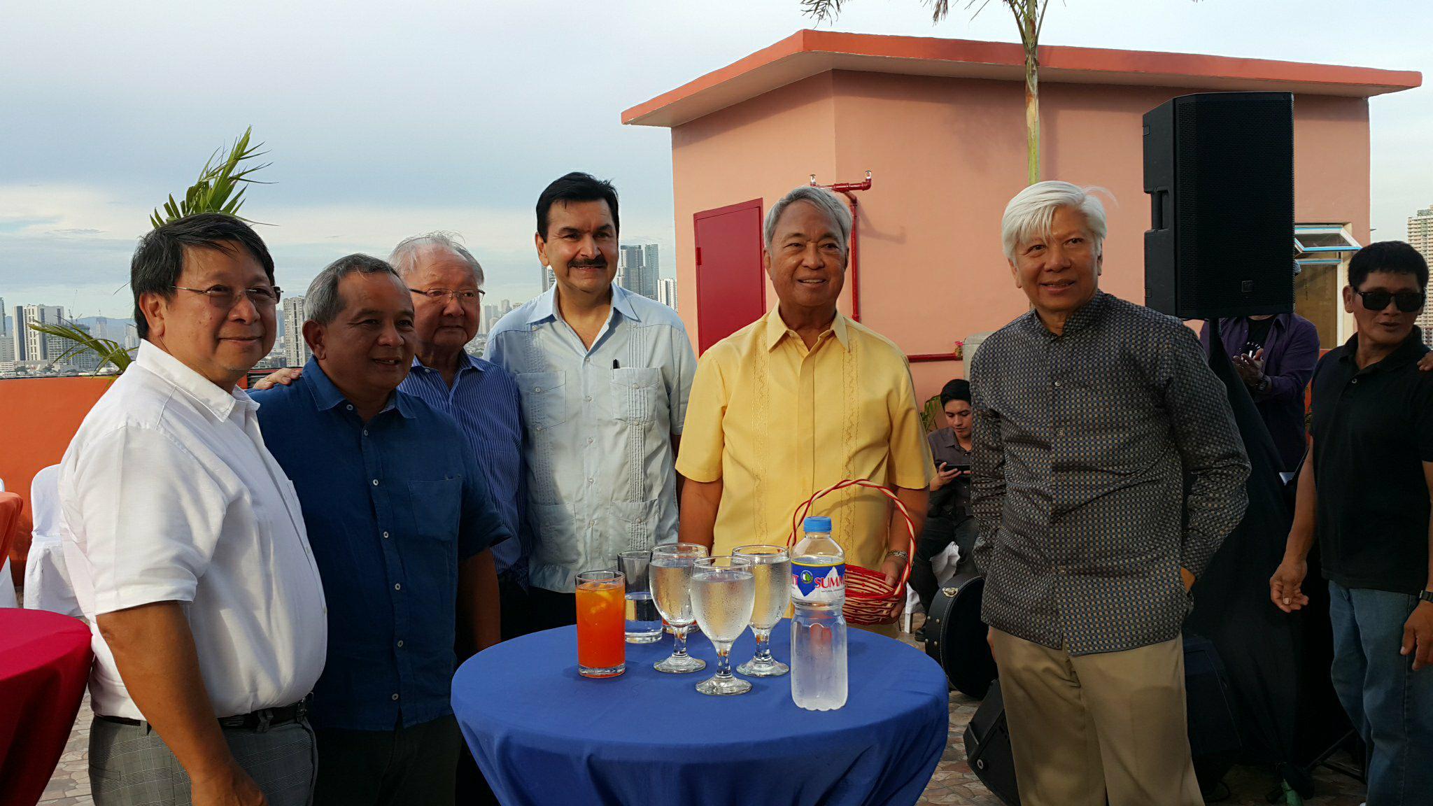 Rotarian Mon Guerrero, PN Eric Tensuan, PDG Tony Rufino, Rotarian Harresh Dargani, President Reynaldo S. Guevara and PP Ernie Fajardo